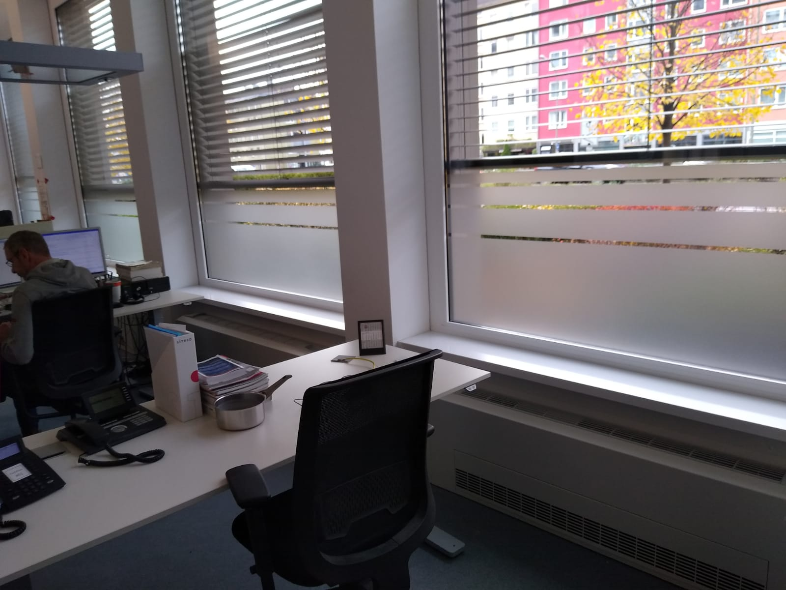 Sichtschutzfolie am Fenster